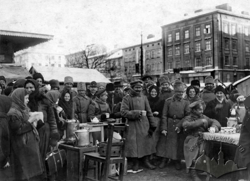 Російські солдати на Краківському базарі, 1914 р.